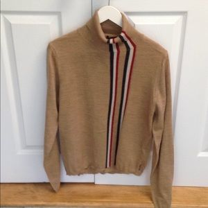 🎉NEW LISTING!🎉Burberry sweater